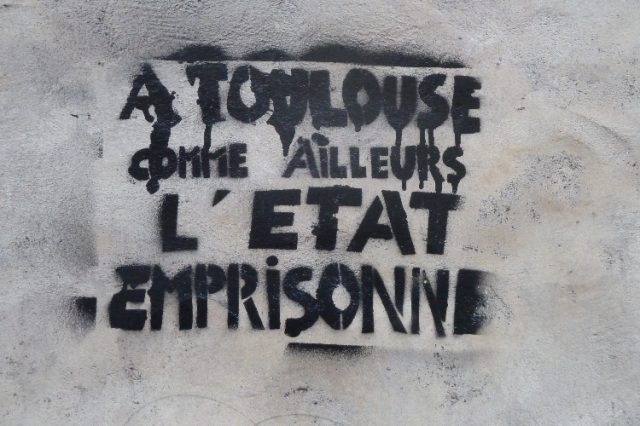 http://cestdejatoutdesuite.noblogs.org/files/2012/02/letat_emprisonne.png
