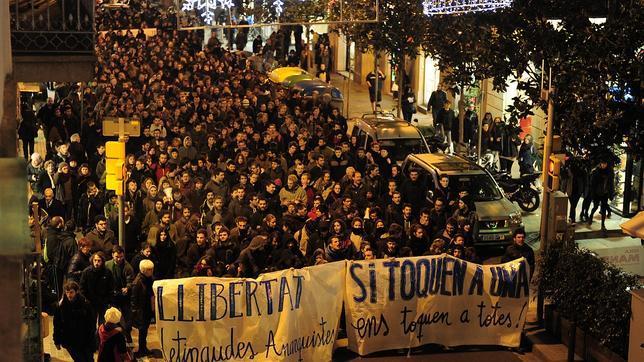 http://cestdejatoutdesuite.noblogs.org/files/2014/12/protesta-barcelona-644x362.jpg